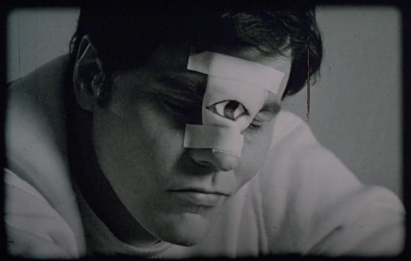O terceiro olho do Darryl Revok.