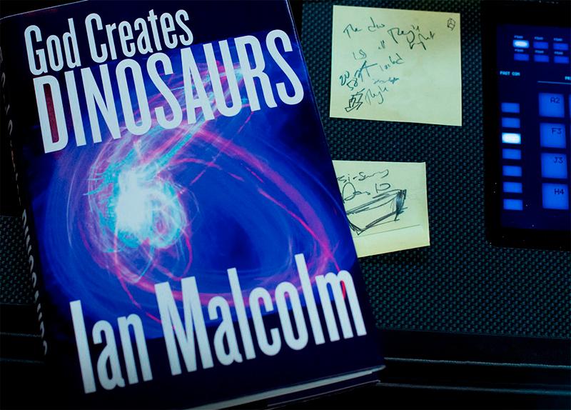 O livro God Creates Dinosaurs do autor Ian Malcolm.